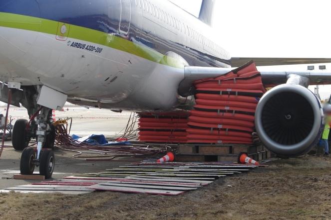 2 coussins de 60T disposés sous un A320